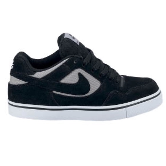 Nike SB Paul Rodriguez 2.5 Matte Silver   Black. M 5af34dd83b160868479832e7 307322c6a